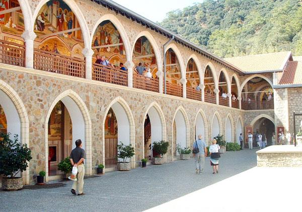 Картинки по запросу Монастырь Ставровуникипр