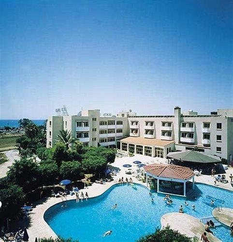 Кипр ларнака отель хенипа